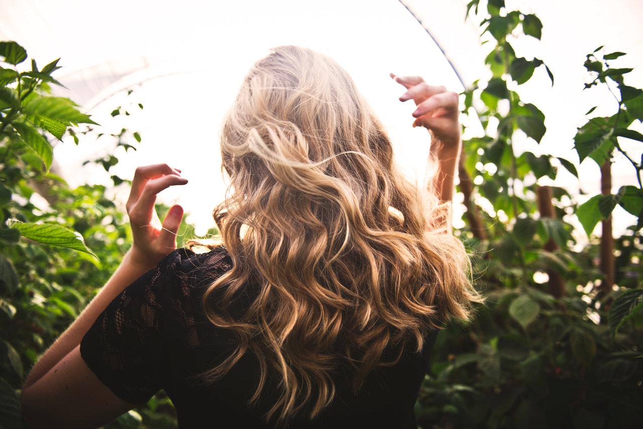 Is your hair curling up at the ends? Here's why!