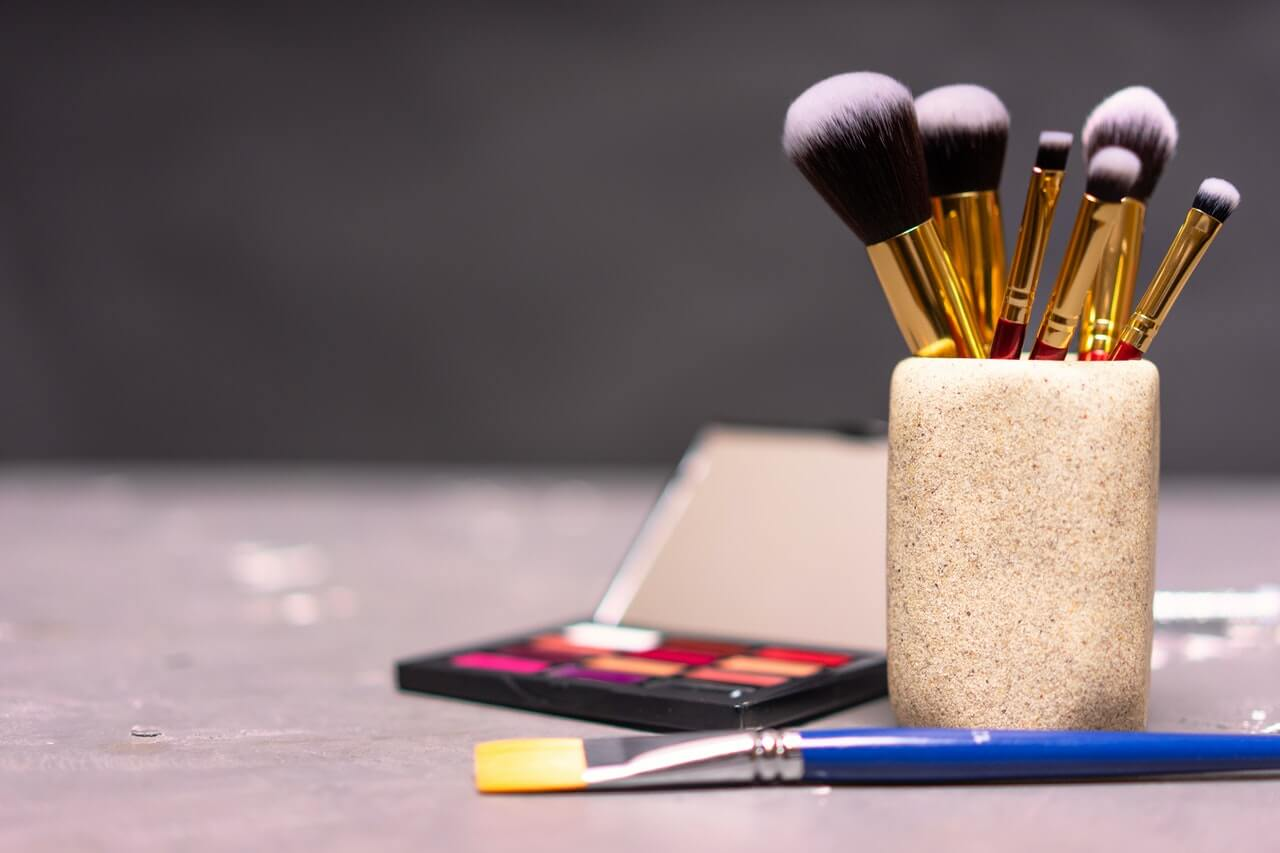 How to Soften Makeup Brushes